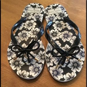 Kate Spade ♠️ Black and White Sandals Size 7